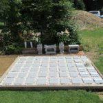 樹木葬は粉骨の料金込みの5万円です